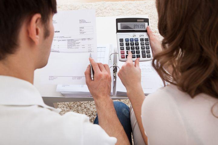 固定費と変動費の違いとは?家計の内訳と節約方法をご紹介!