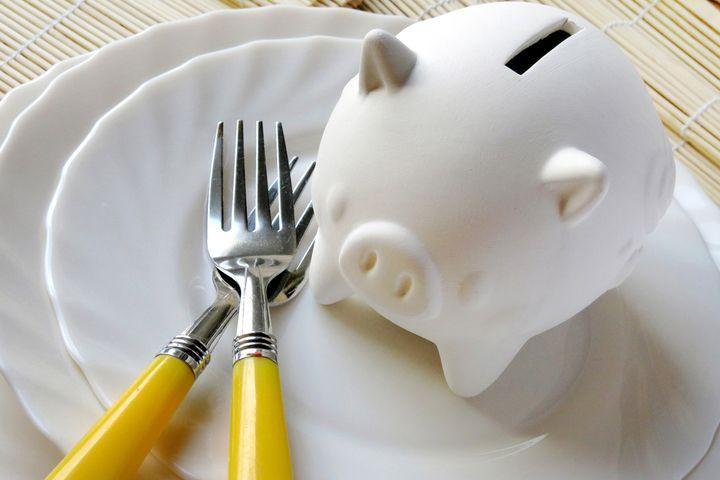 二人暮らしの食費はどれくらいが一般的?節約するコツは?